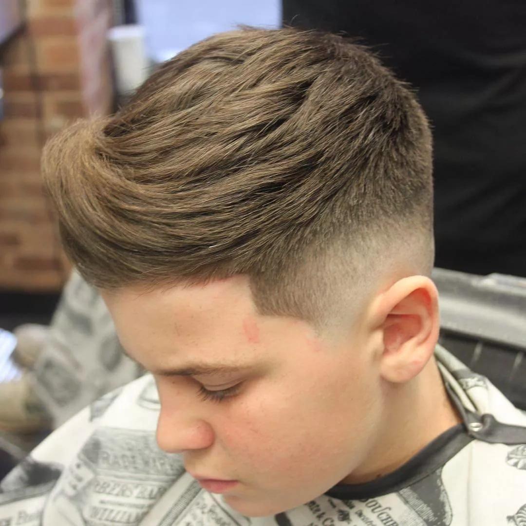 Причёски для мальчиков на бок 11