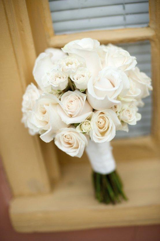 Сватбен букет белые розы, для крестницы