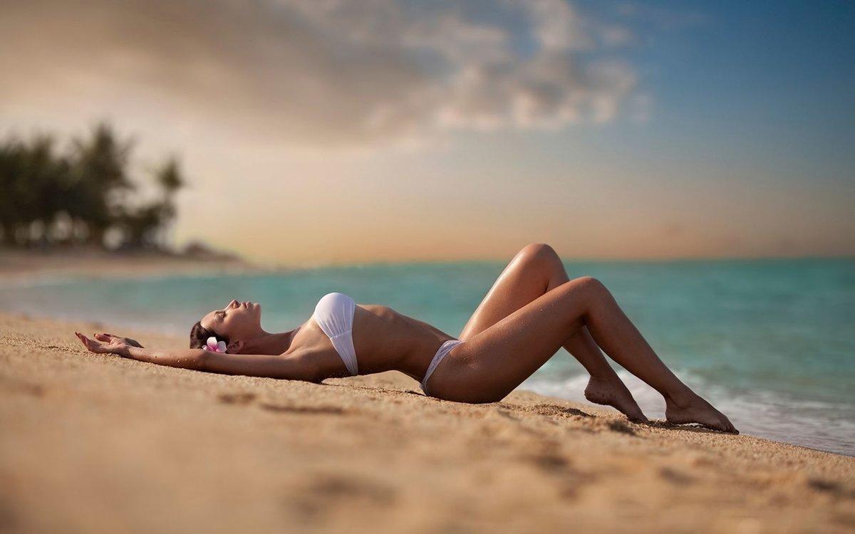 Девчата на морском берегу видео — 5