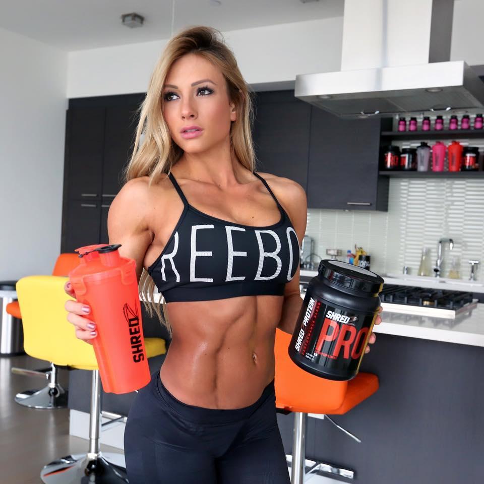 Спортивное питание фитнеса женщин