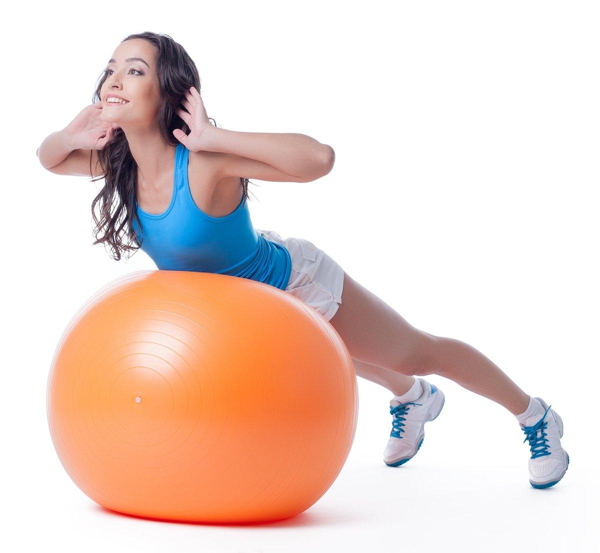 Картинки упражнения на мяче для