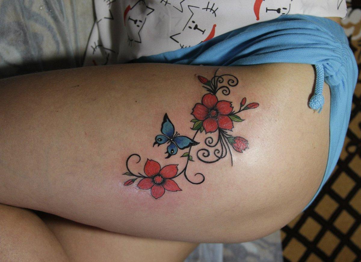 flower-tattoo-on-pussy