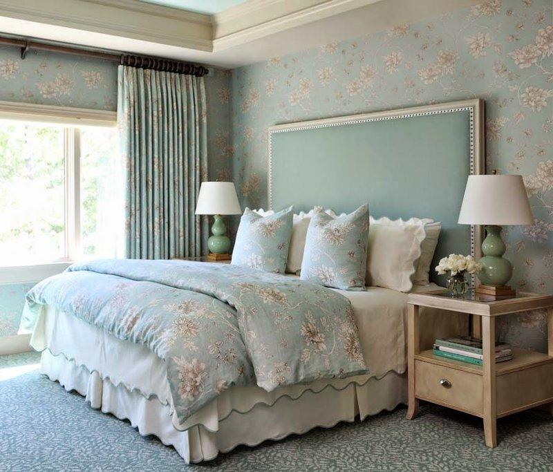 Интерьер спальни и голубой