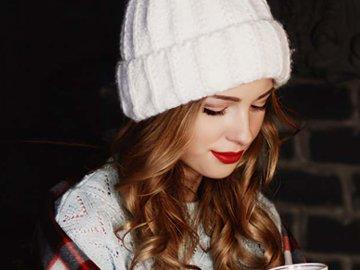 Идеи вязания шапок для мужчин и женщин — в Яндекс.Коллекциях. Смотрите фотографии модных вязаных шапок, которые можно связать крючком и спицами