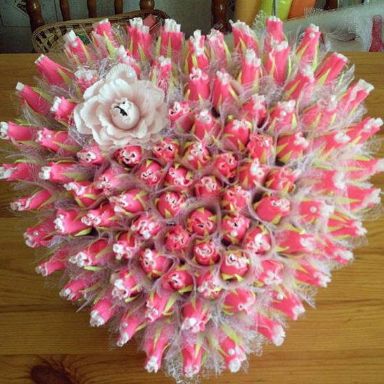 Букет из тюльпанов со сладостями