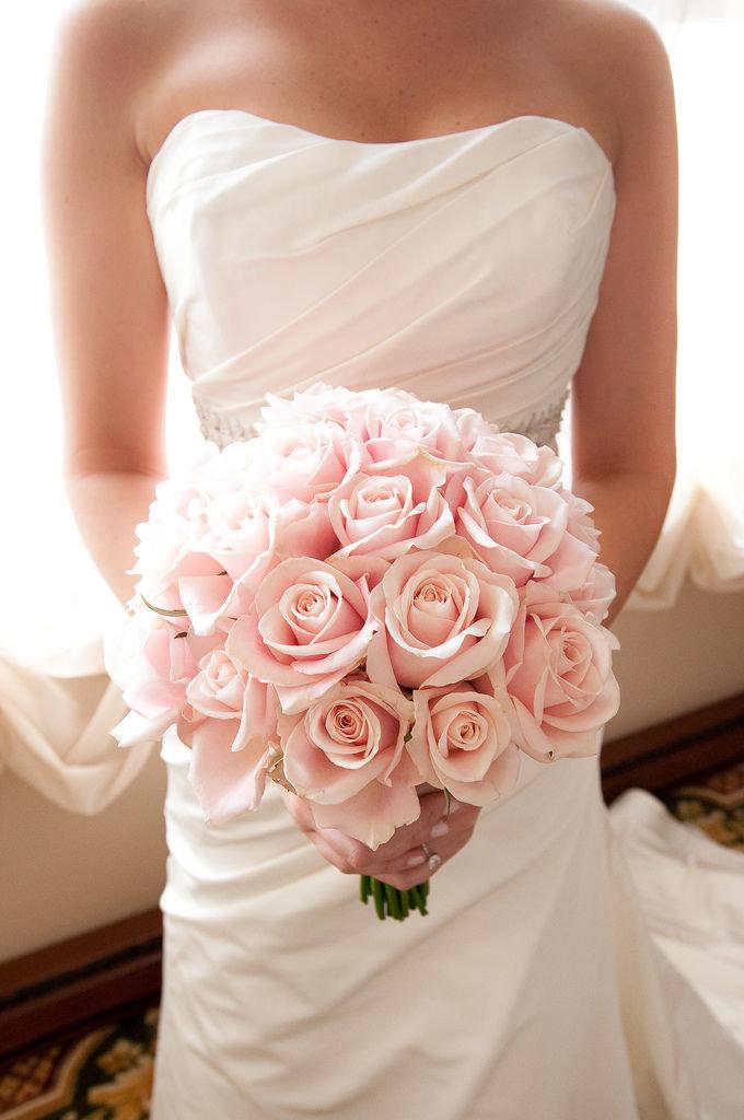 Фото букетов невесты из роз