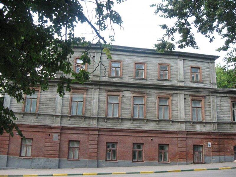 Музей-квартира. В этом доме с 1902 по 1904 г. жил А. М. Горький