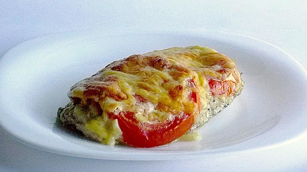 рецепт куриных отбивных с помидорами и сыром в духовке