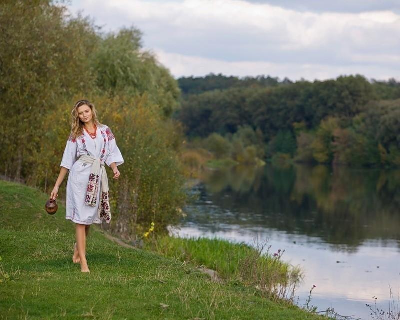 Девушки красавицы в поле в лесу на речке #8