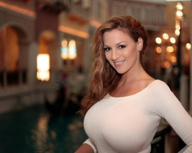 порно бесплатно маленькая грудь фото