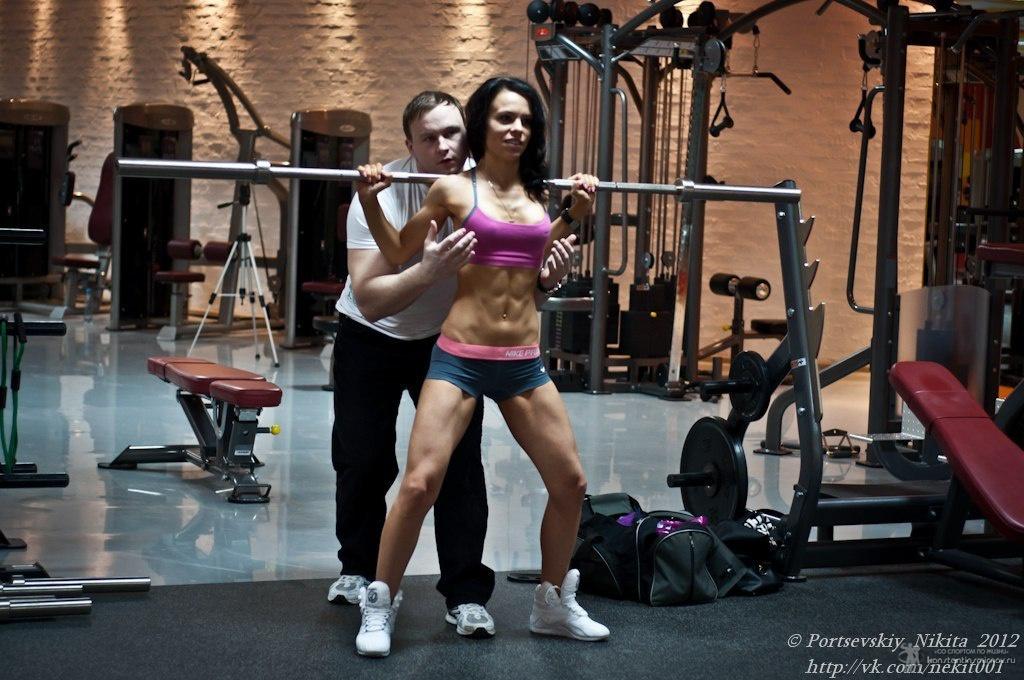 Девушки в спортивном зале — img 2