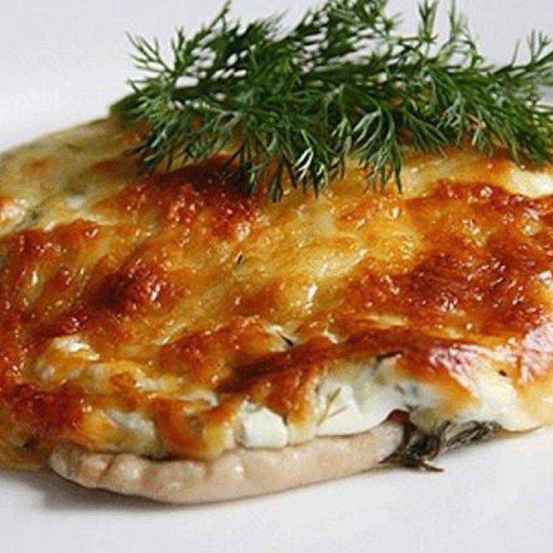 отбивные из индейки с помидорами и сыром в духовке