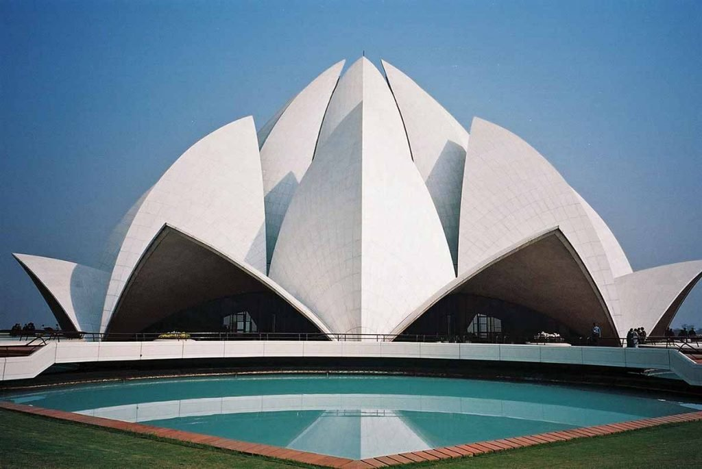 lotus temple The self-revelation church of absolute monism, located along western avenue in bethesda, is a non-sectarian church with ties to the cultural and spiritual traditions of india.