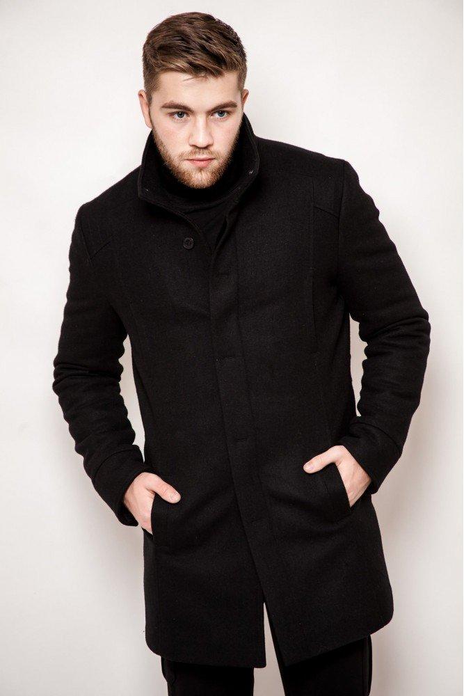 мужские пальто фотографии подобранный расставленный гарнитур