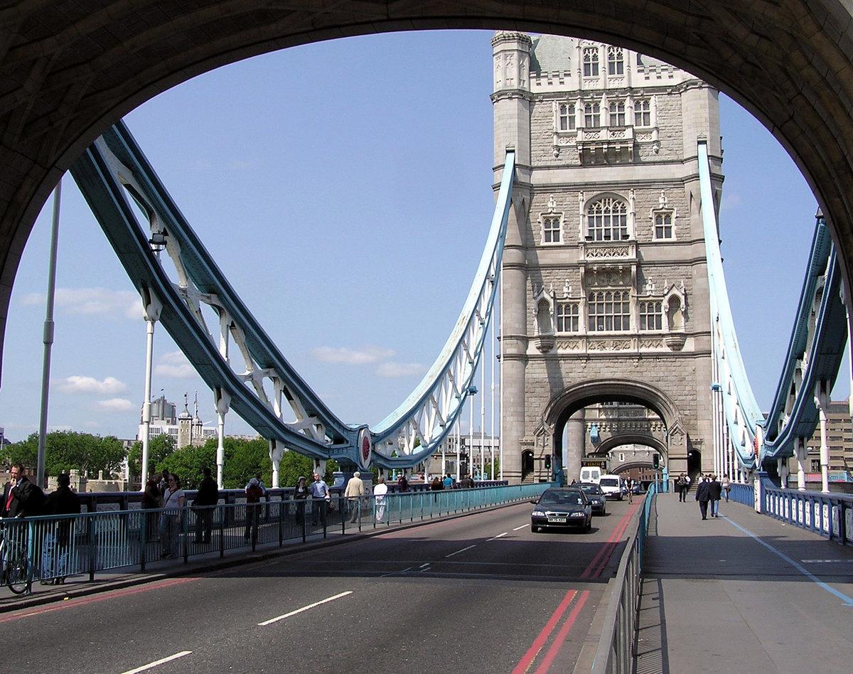 мост в великобритании на английском также