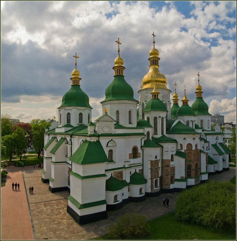 бело-зеленый храм