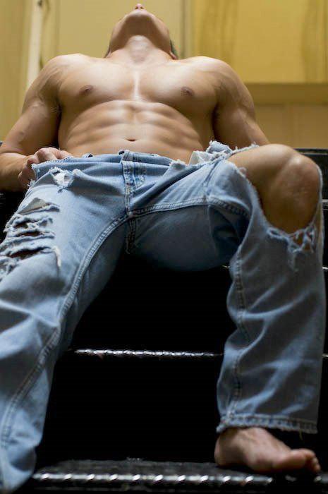 джинсах фото мужчины сексуальный