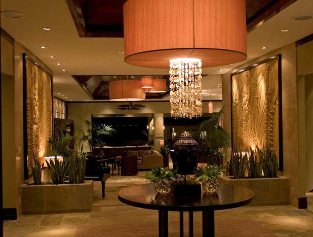 Великолепные растения в гостиной