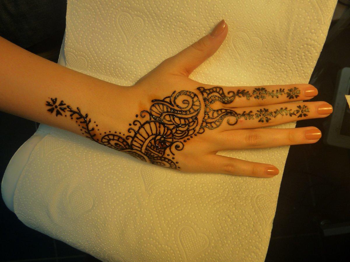 картинка руке татуировки на