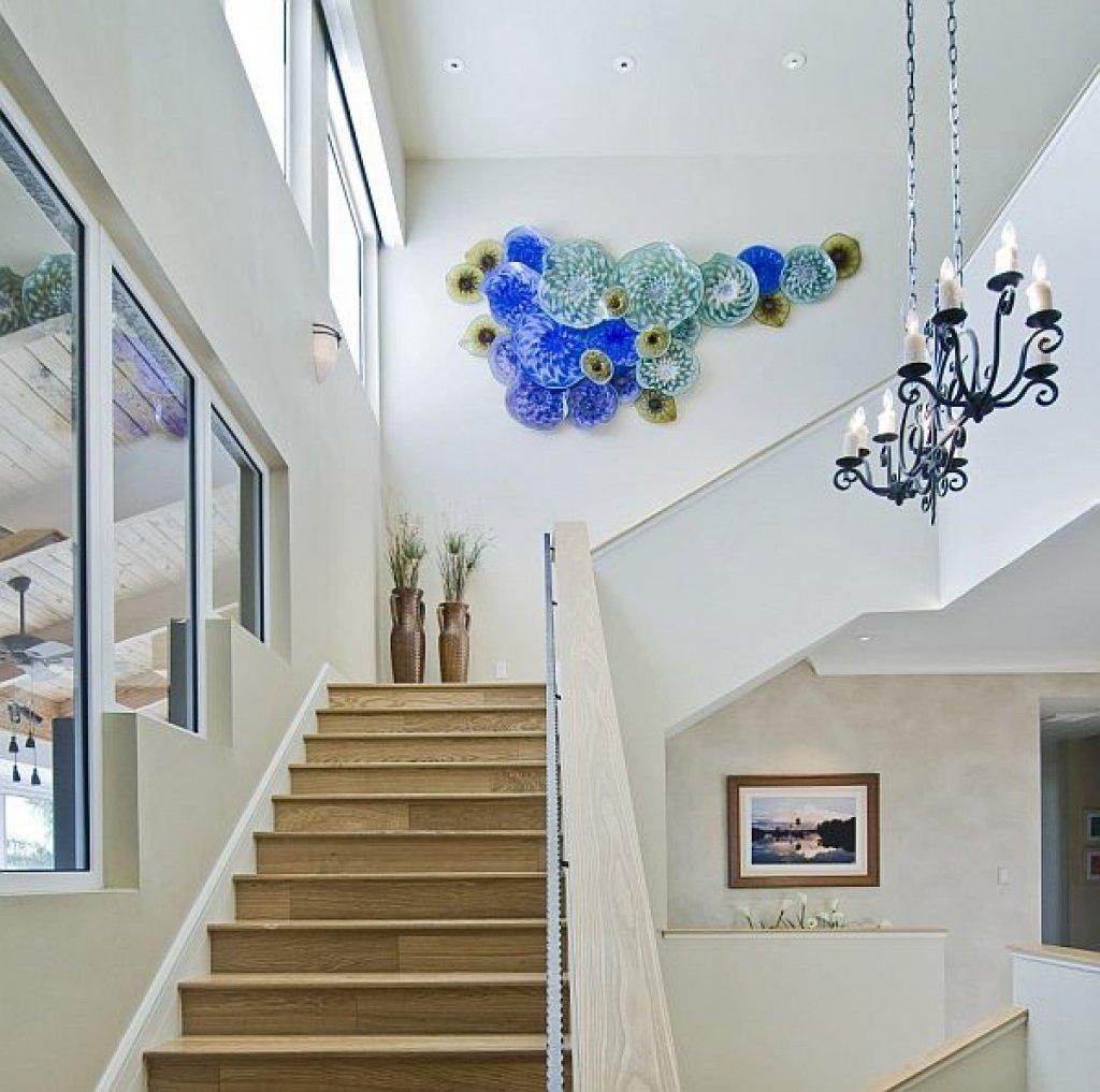 декор лестничного пролета в доме фото
