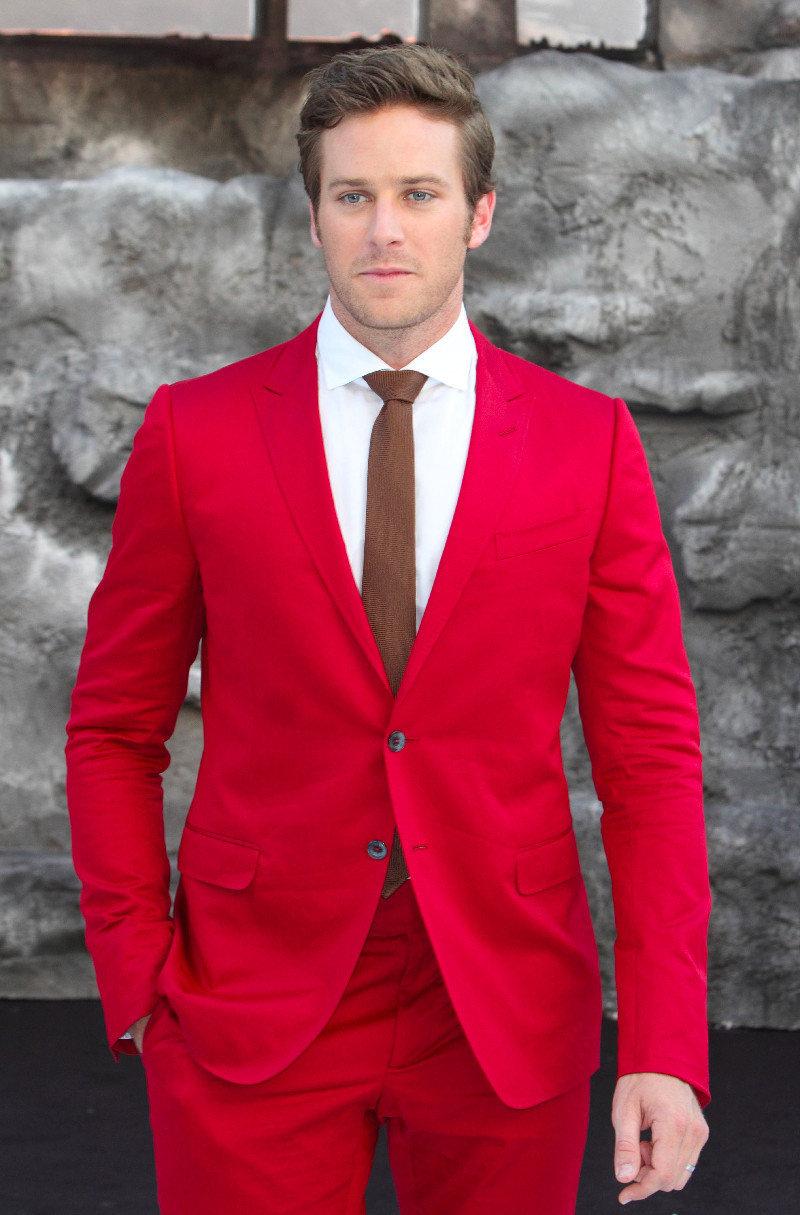 красные костюмы мужские фото