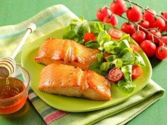 Рецепт: Стейки из лосося в имбирной глазури