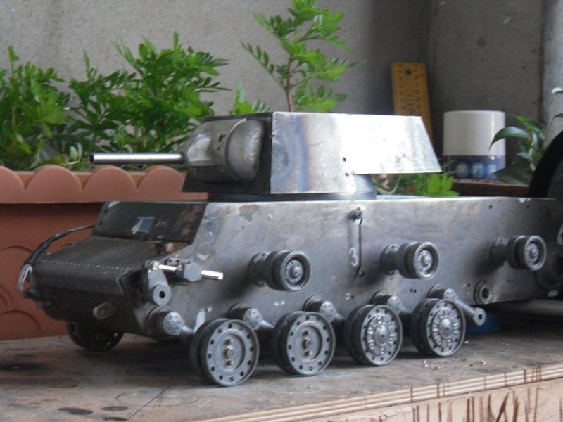 картинки самодельного танка поделка из металла фото настенных часах