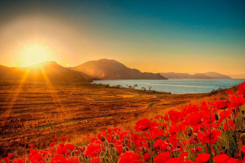 Рассвет в Тихой бухте. Крым