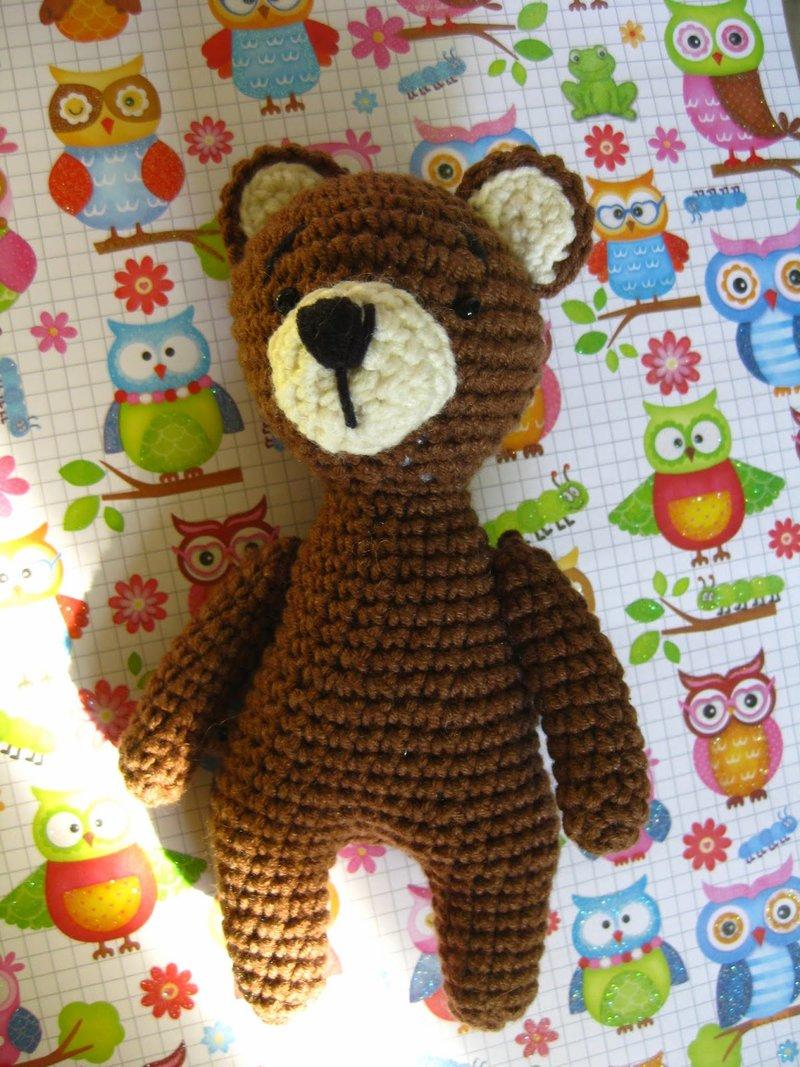 А вот еще медвежата, связаны крючком из хлопковой пряжи. Рост 16 см.       Один из малышей продается.