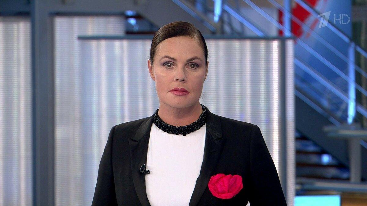 Ведущая «Первого канала» Екатерина Андреева раскритиковала масочный режим. «Примитивно дурят народ»