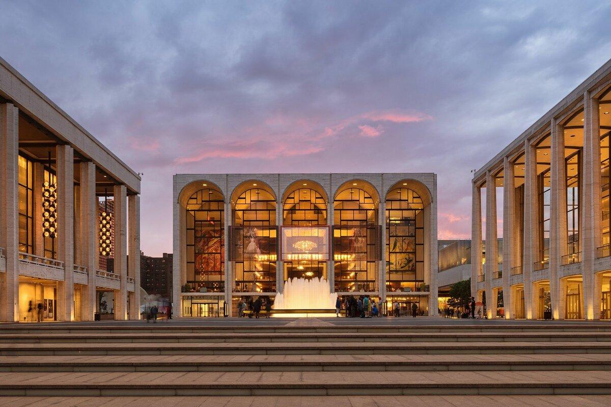 22 октября 1883 года вНью-Йорке открылась Метрополитен-опера