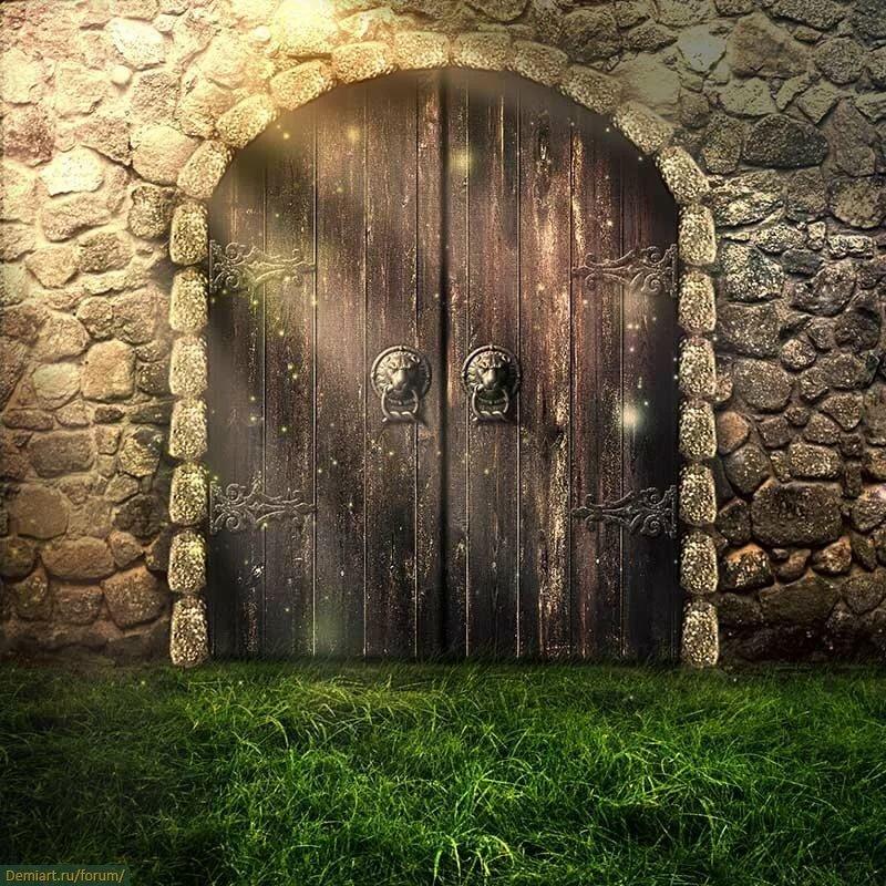 картинка сказочные ворота с навесным замком вид свежего яблока