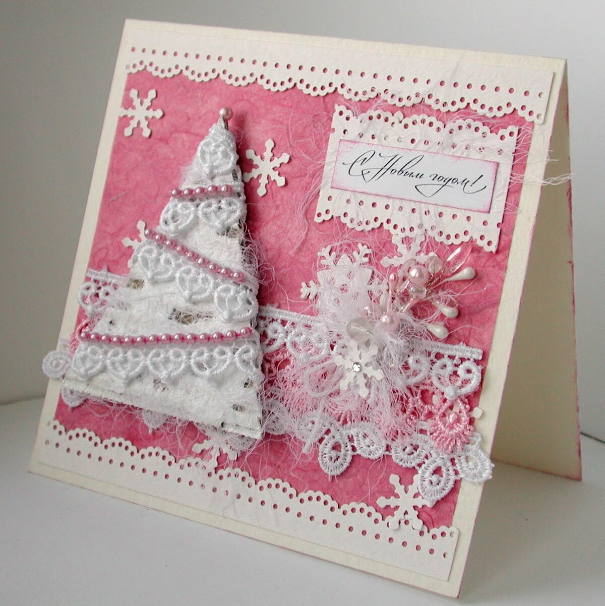 Оформление новогодних открыток из белого листа бумаги