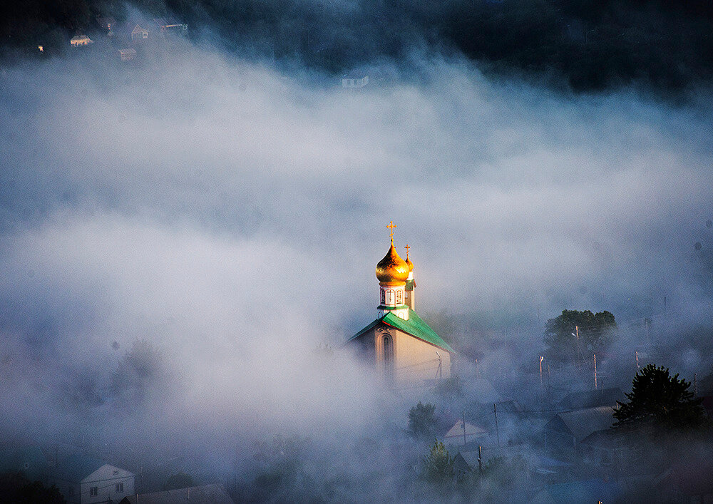 Картинки храм в облаках