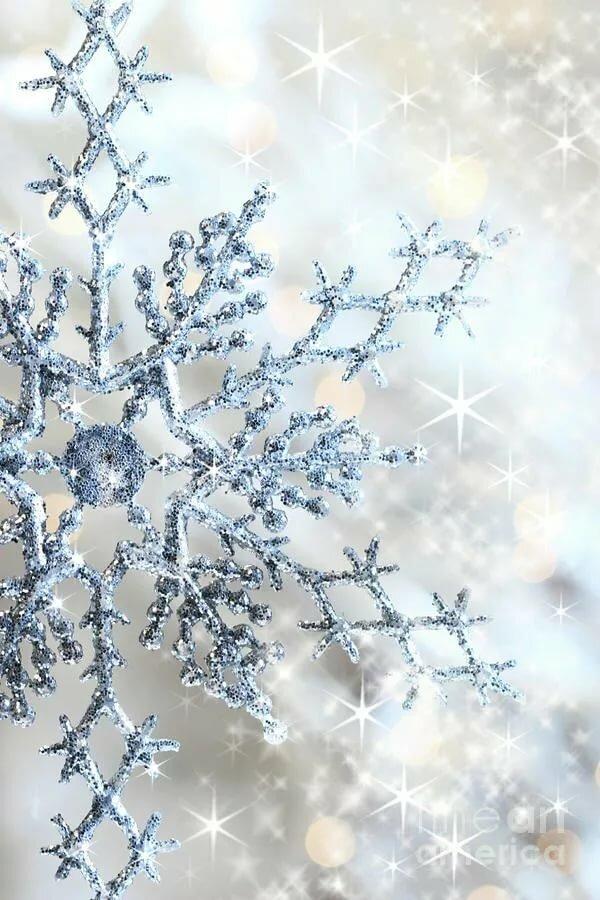 отмечает, картинки на телефон снежинки в хорошем качестве идет небольшая полоска