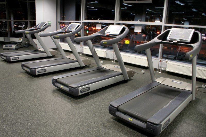 Фитнес центры «Экстра Спорт» - спортивные клубы экстра-класса в Санкт-Петербурге, работающие с октября 2005 года.