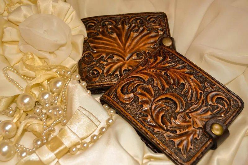 Изделия из кожи ручной работы надписи