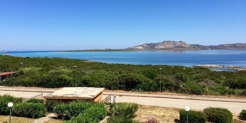 Остров Сардиния – регион Италии, расположенный в Средиземном море Достопримечательности, курорты, пляжи. Как добраться, где остановиться – отели, апартаменты, цены.