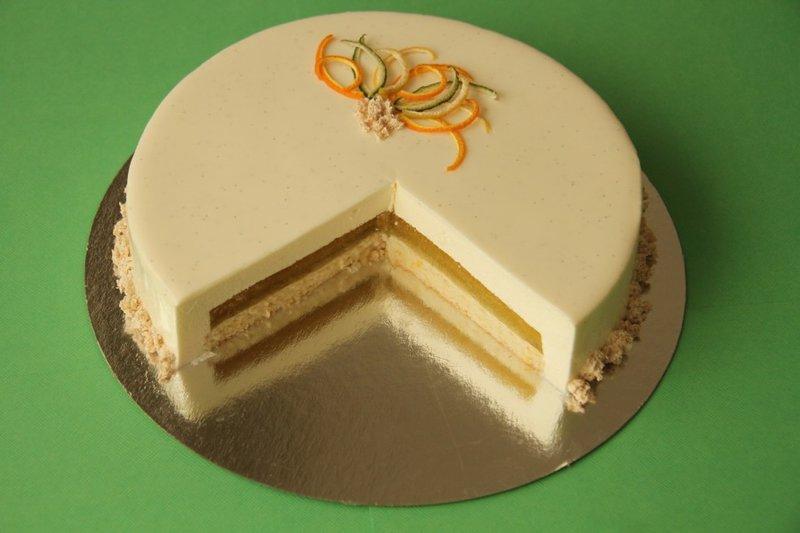 """Торт """"Цитрус"""" с муссом из белого шоколада и апельсиновым желе"""