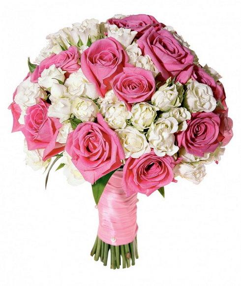 По традиции у каждой невесты на свадьбе должен быть букет цветов, с которым она не должна расставаться на протяжении всей свадебной церемонии.