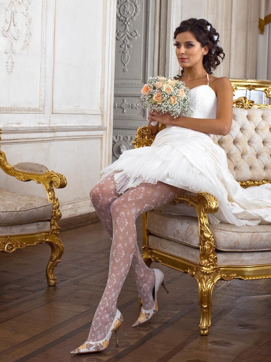 Невесты в белых колготках