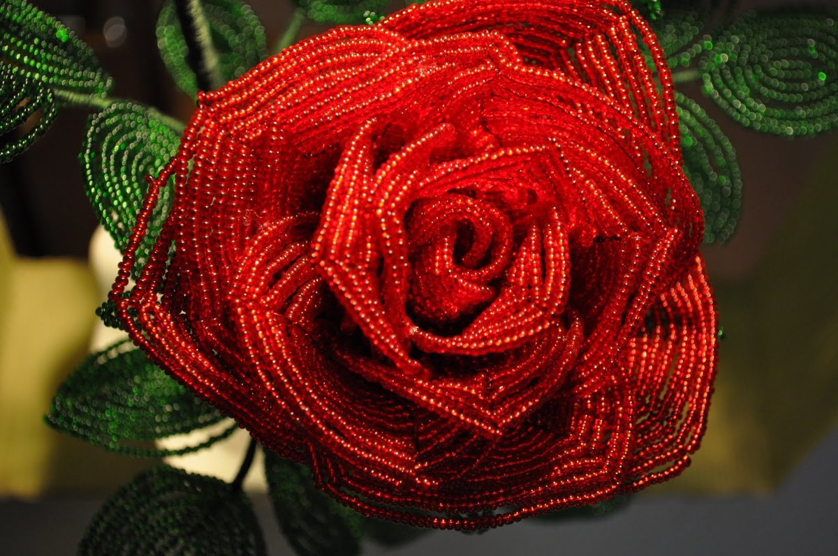такой розы из бисера фото новые мастер класс есть среди