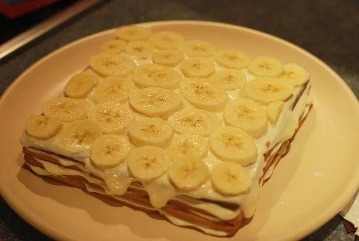 А готовый торт получается очень вкусным, нежным, легким и мягким.