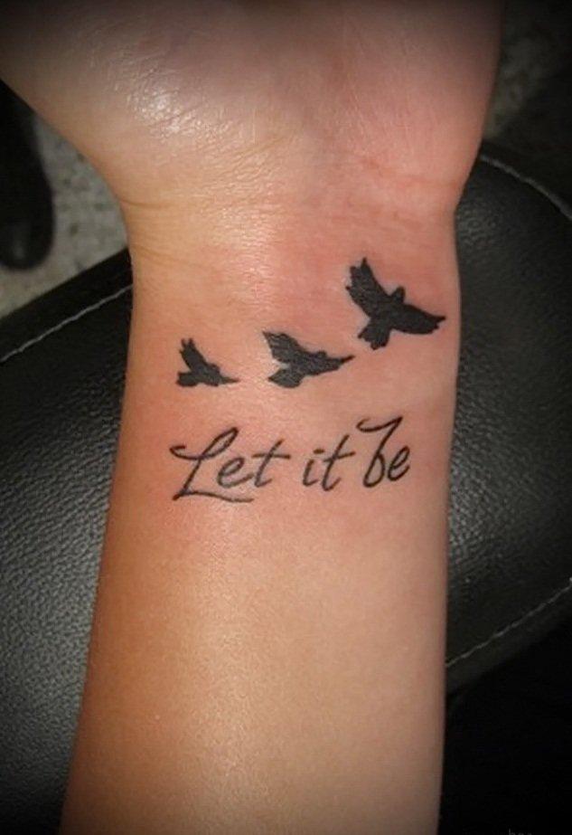 Татуировки для девушек на руке надписи и их значения 9