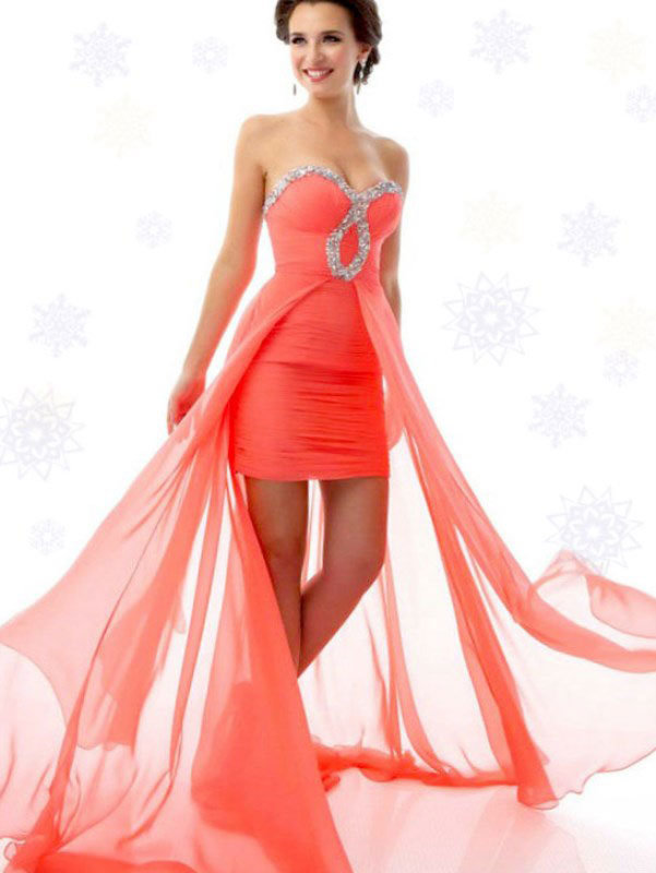 c788d07281a ... Вечерние платья на свадьбу подруги представлены самыми разными  вариантами