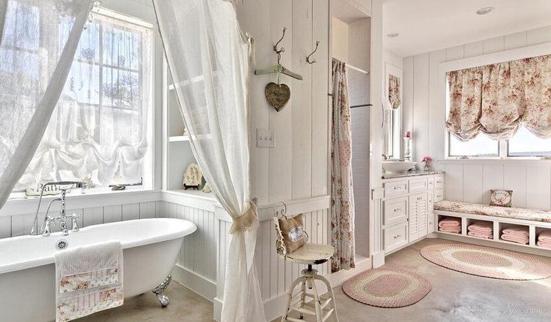 Ванная в стиле шебби шик — направление, которое  соединит  краски пастельных тонов и состаренных поверхностей.