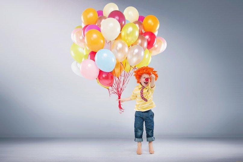 Картинка ребенок с шариками воздушными, картинки