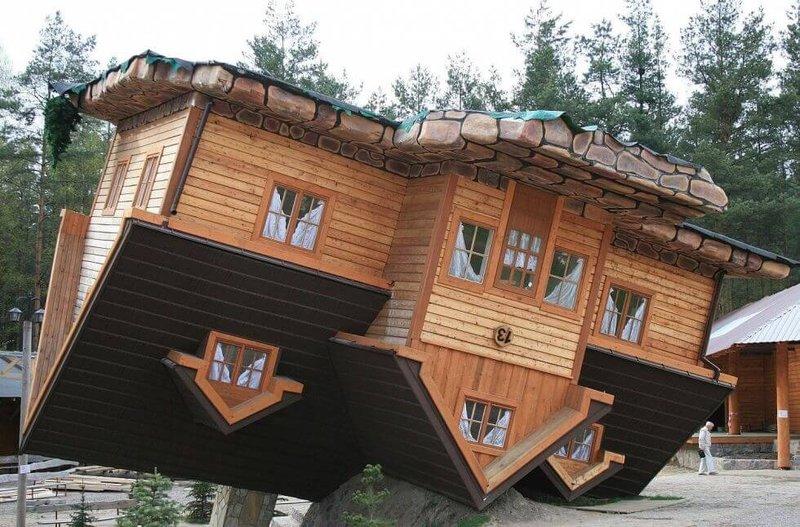 «Перевернутый дом», Польша