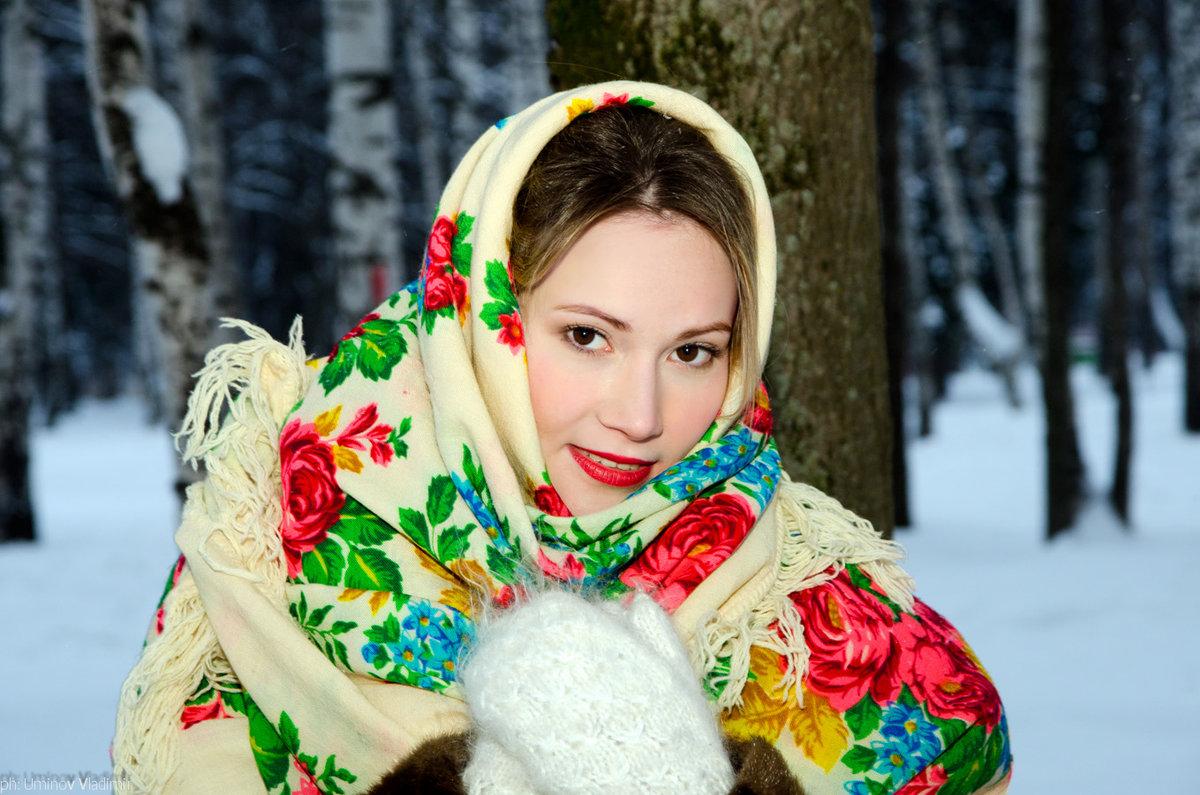фото в русском платке зимой пышной гулянки