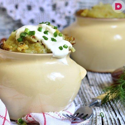 Тушёная картошка с грибами в соусе